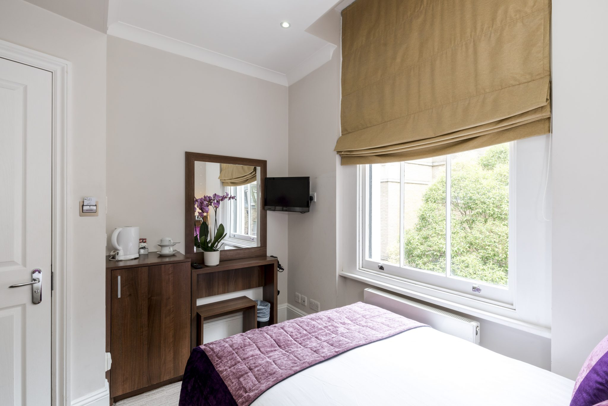 Standard Double Room And Small Double Lhh