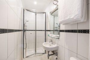Standard double bathroom - LHH