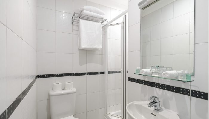 DOUBLE GARDEN BATHROOM VIEW - LHH