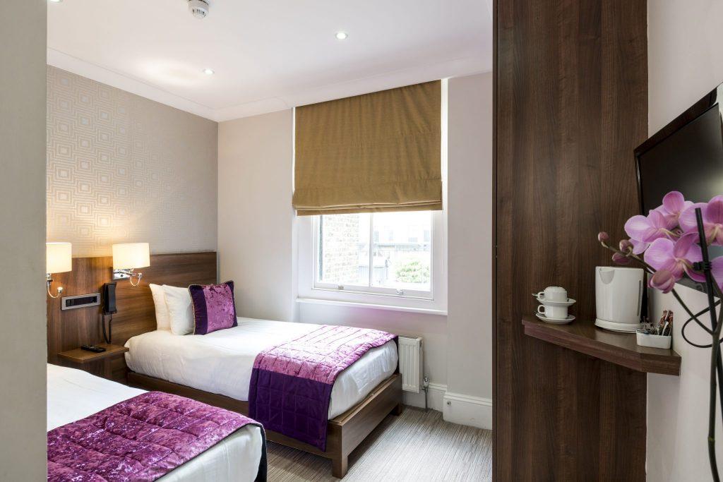 standard twin room lhh. Black Bedroom Furniture Sets. Home Design Ideas